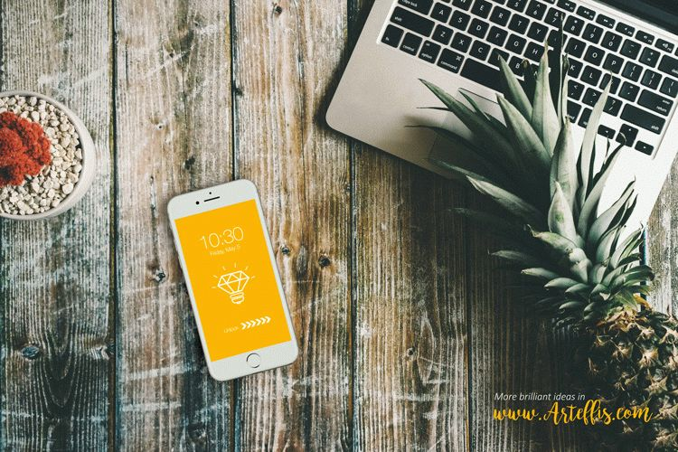 Free Iphone Mockup with a pineapple